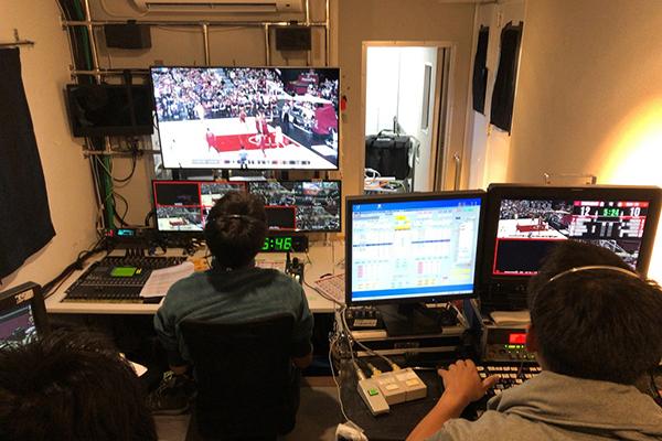 全国放送規模のスポーツ中継も担当しています
